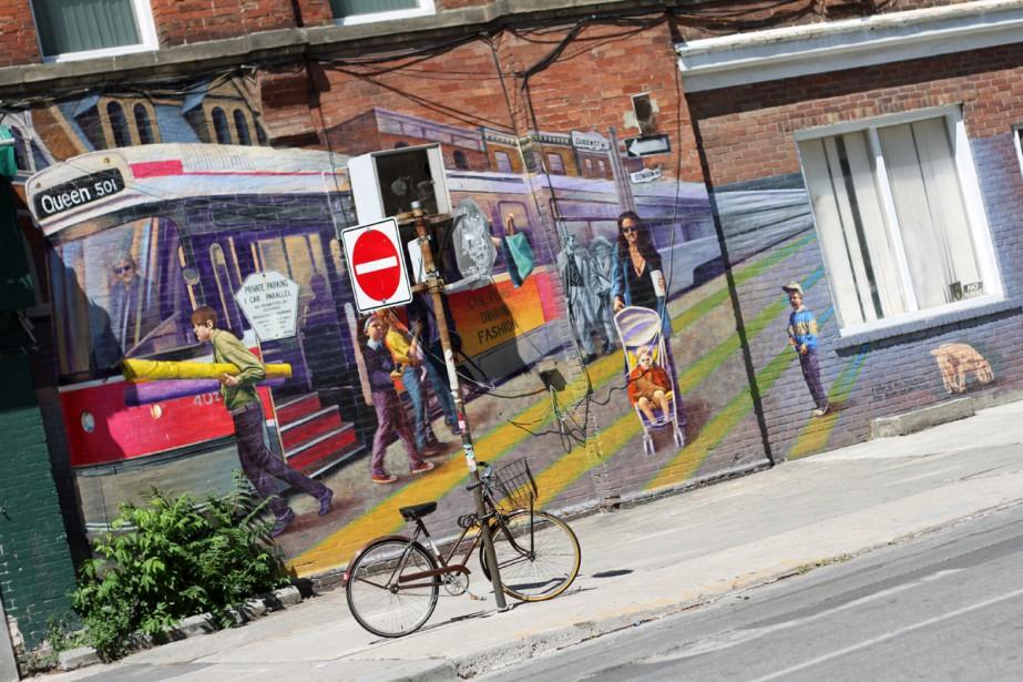 Scène de rue dans Queen Street West.... (Photo fournie par Tourism Toronto)