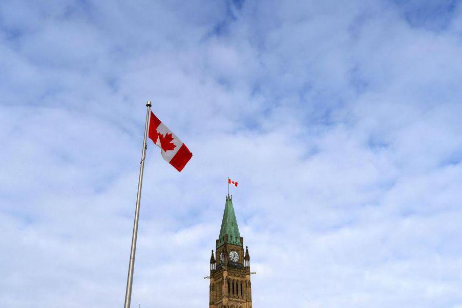 Le gouvernement fédéral a cumulé un déficit de... (PhotoSean Kilpatrick, Archives La Presse Canadienne)