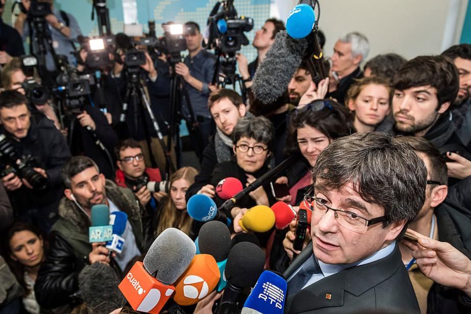 CarlesPuigdemont estime que les électeurs ont confirmé sa... (PHOTO GEERT VANDEN WIJNGAERT, ARCHIVES ASSOCIATED PRESS)