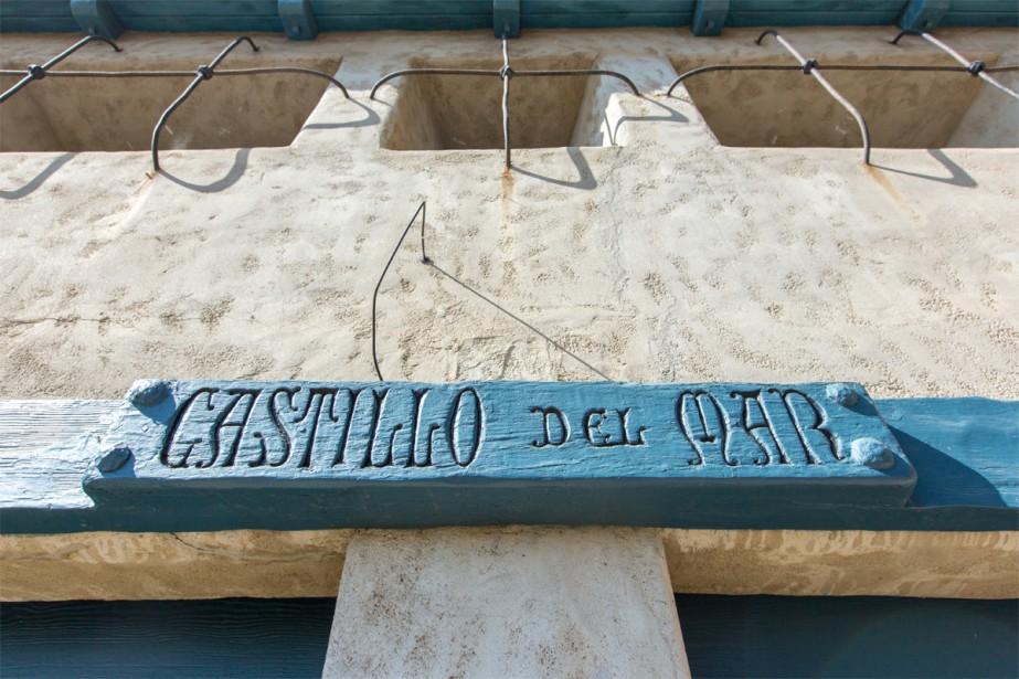 Au détour du chemin, surgit la silhouette du funestement célèbre Castillo Del Mar, ancienne maison du réalisateur Roland West, où l'actrice Thelma Todd avait été retrouvée morte dans les années 30. (PHOTO OLIVIER JEAN, LA PRESSE)