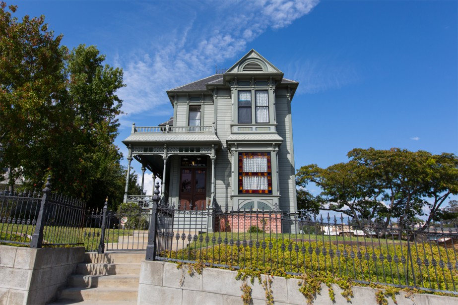 Ce quartier est reconnu pour abriter les plus beaux spécimens de maisons victoriennes et de style Queen Ann, que l'on peut découvrir au gré d'une série de petites rues en croissant. (PHOTO OLIVIER JEAN, LA PRESSE)