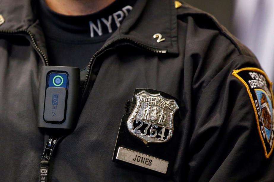 «Les caméras corporelles aident à renforcer la confiance... (PHOTO REUTERS)