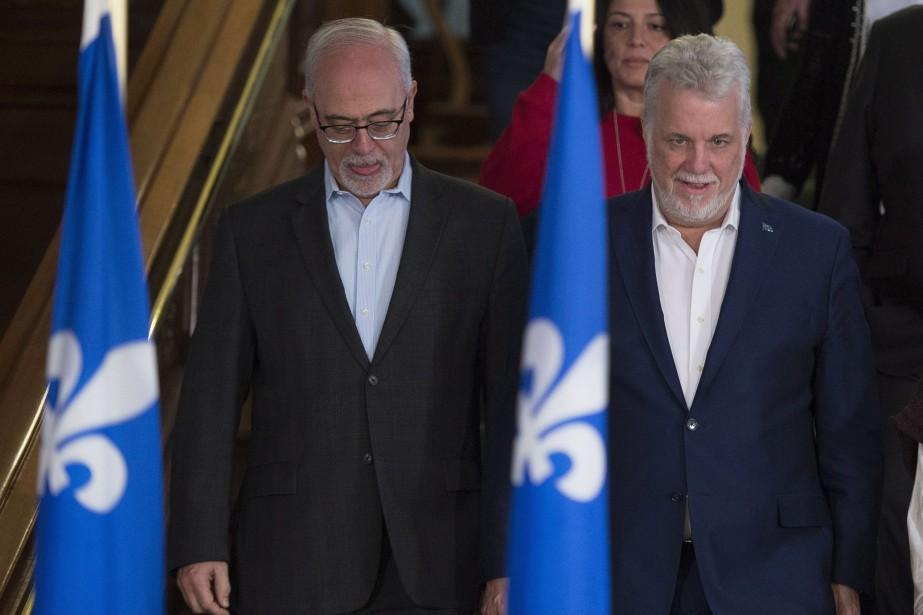Philippe Couillard (à droite) et son ministre des... (PHOTO PC)