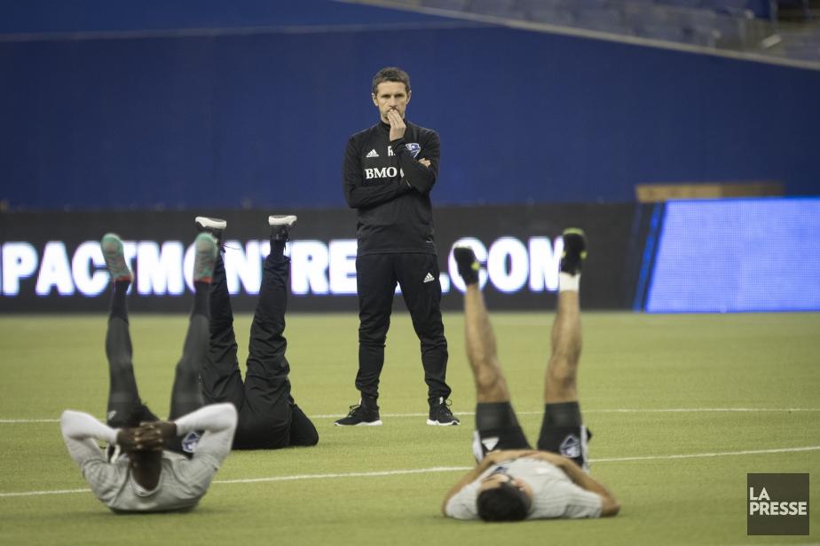Rémi Garde supervise un entraînement.... (Photo IVANOH DEMERS, LA PRESSE)