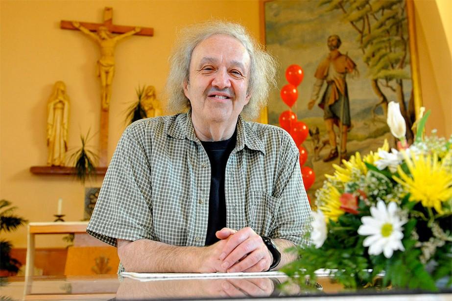 Lorsque son mandat à l'église Saint-Charles-Garnier s'est terminé,...