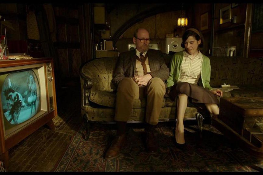 Richard Jenkins et Sally Hawkins dans une scène... (PHOTO FOURNIE PAR FOX SEARCHLIGHT)