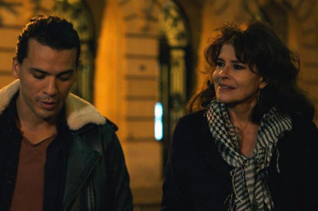 Tewfik Jallab et Fanny Ardant dans Lola Pater,de... (Photofournie par Axia Films)