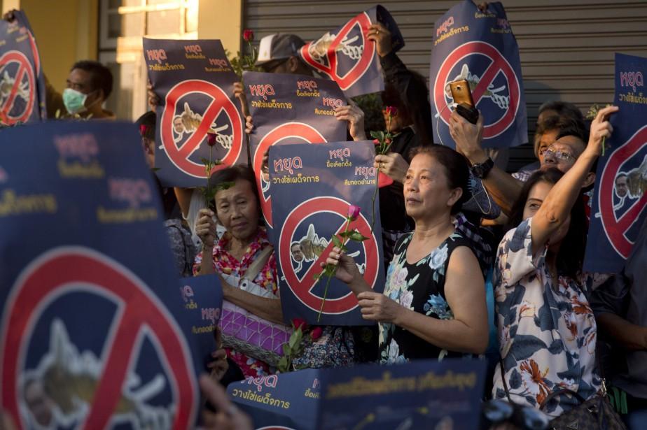 L'impatience de la population face aux reports répétés... (PHOTO AP)