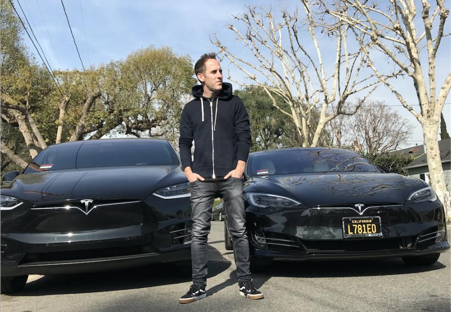 Les voitures de ses rêves -  Il les possède déjà toutes les deux : un Modèle X et un Modèle S, de Tesla. | 12 février 2018