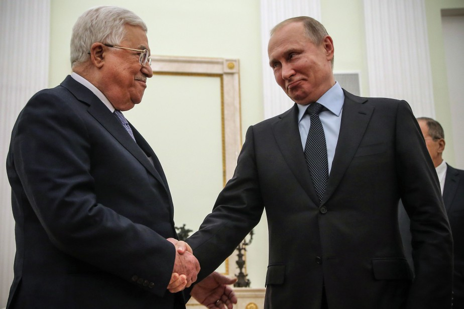 La visite en Russie de Mahmoud Abbas (à... (PHOTO AFP)