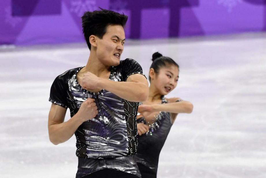 La performance des patineurs nord-coréens Kim Ju-sik etRyom... (Photo Bernard Brault, La Presse)