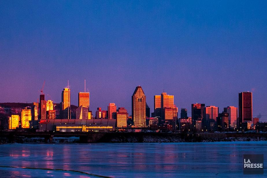 Lever de soleil sur Montréal.... (MARTIN TREMBLAY, ARCHIVES LA PRESSE)