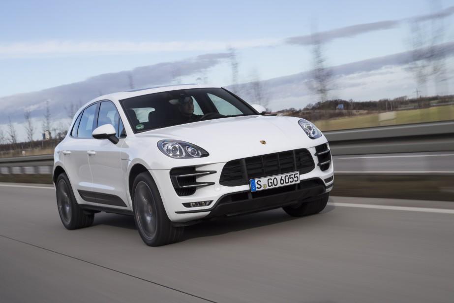 Les inspecteurs de l'autorité routière allemande ont décelé 5 programmes informatiques suspects pilotant le moteur diesel du Porsche Macan, affirme le magazine <em>Der Spiegel</em>. ()