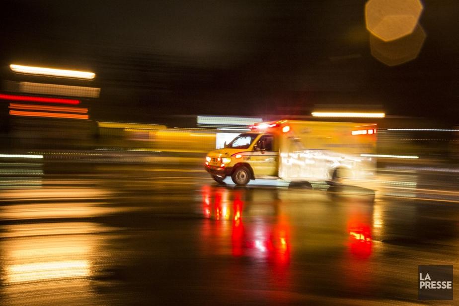 L'individu a été conduit au centre hospitalier. Son... (PHOTO OLIVIER PONTBRIAND, ARCHIVES LA PRESSE)