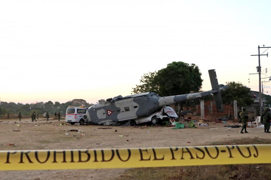 L'hélicoptère du ministre mexicain de l'Intérieur se rendait... (PHOTO PATRICIA CASTELLANOS, AFP)