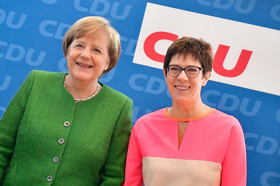 Angela Merkel et Annegret Kramp-Karrenbauer... (PHOTO TOBIAS SCHWARZ, AGENCE FRANCE-PRESSE)