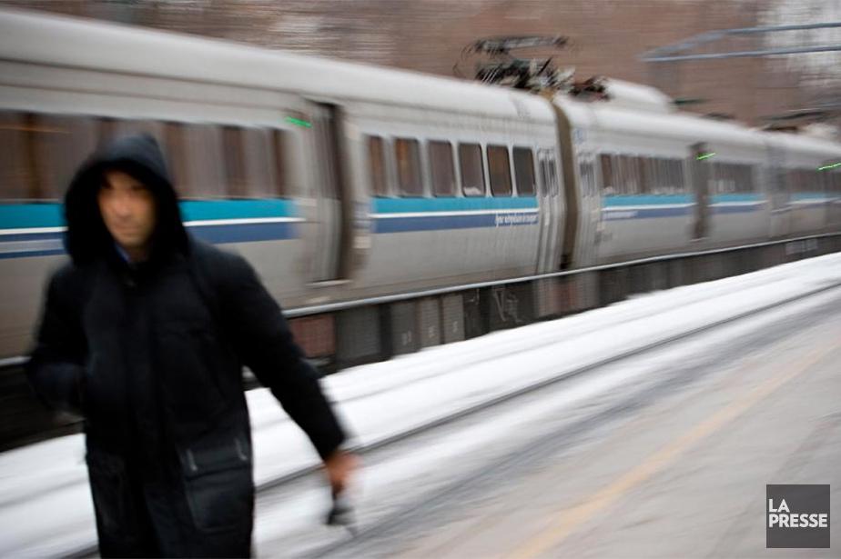 Comme le taux de ponctualité des trains de banlieue entre... (Archives La Presse)