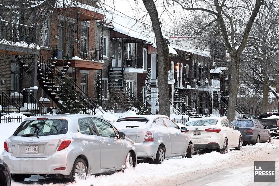 Un Montréalais estime quel'interdiction de laisser sa voiture... (BERNARD BRAULT, ARCHIVES LA PRESSE)