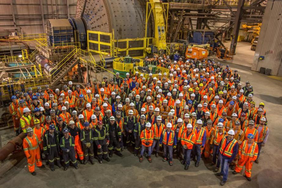 Photo prise lors du redémarrage officiel de la... (Photo fournie par Champion Iron Mines)