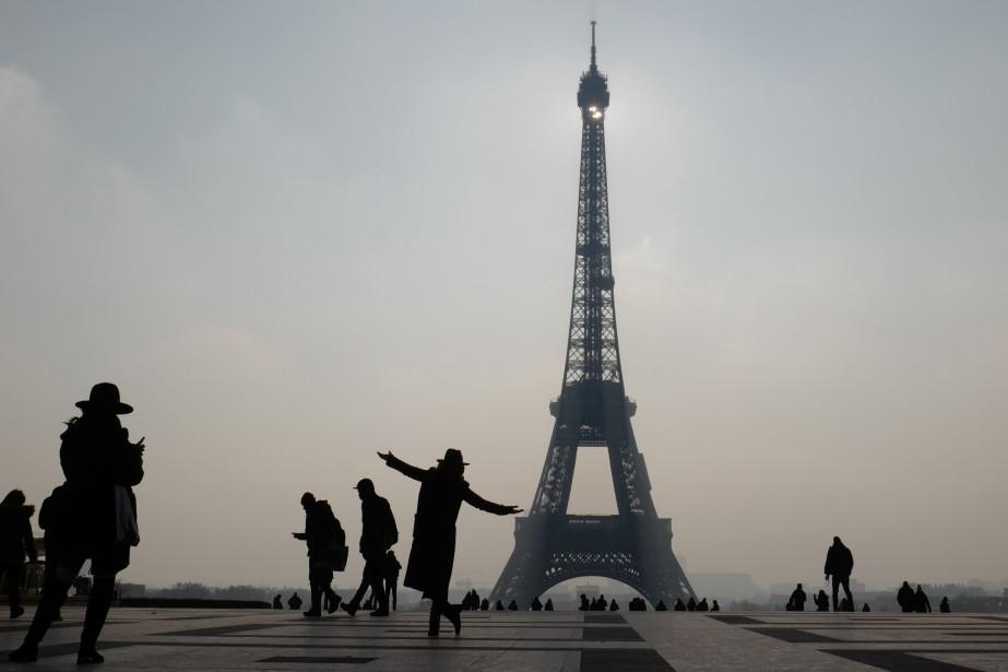 La tour Eiffel.... (Photo LUDOVIC MARIN, Archives Agence france-Presse)