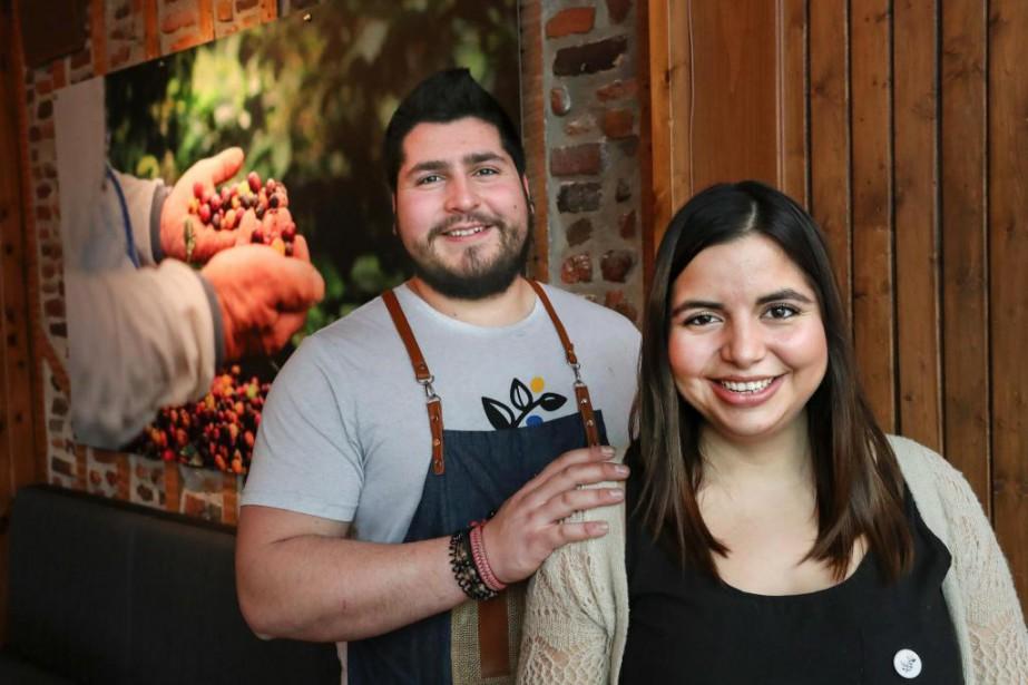 Lorena Meneses est propriétaire du café Mareiwa, qui... (Photo Robert Skinner, La Presse)