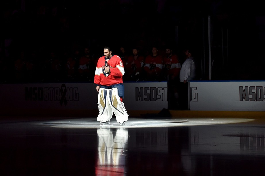 Roberto Luongo (1) a pris la parole avant... (Photo Steve Mitchell, USA TODAY Sports)