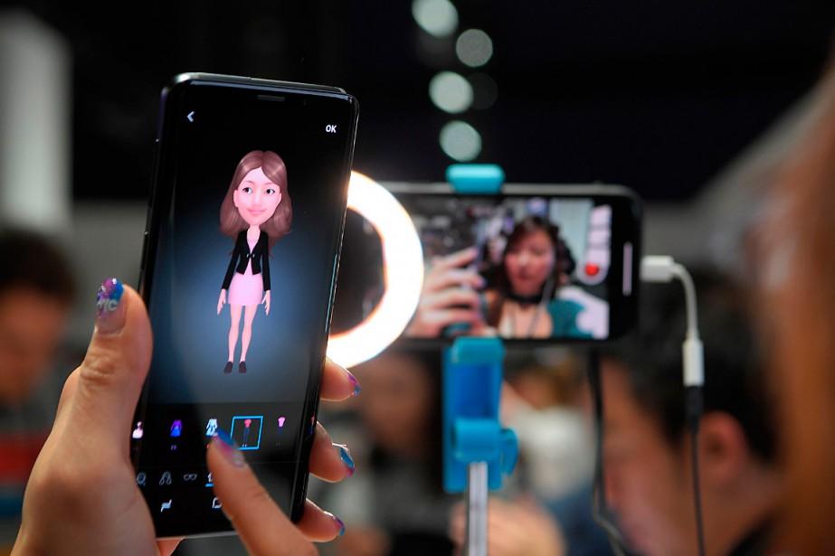 La principale innovation du Samsung GalaxyS9 est l'intégration... (PHOTO LLUIS GENE, AGENCE FRANCE-PRESSE)