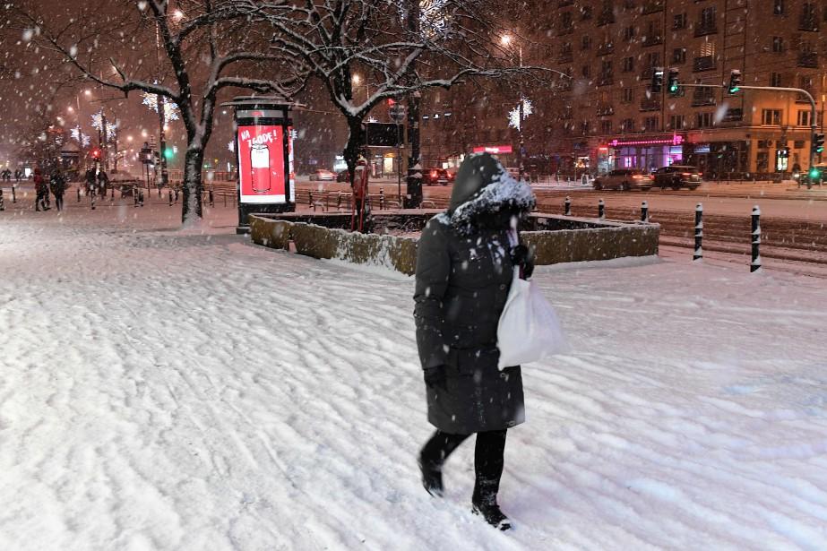 En Pologne, deux personnes sont mortes de froid... (PHOTO AFP)