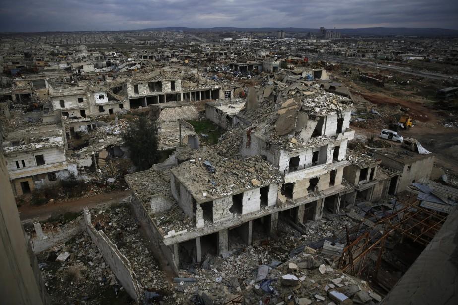D'après des correspondants de l'AFP, des habitants terrés... (AP)
