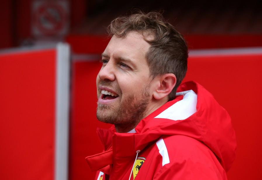 Vers midi, Sebastian Vettel a pu abaisser son capuchon. | 27 février 2018