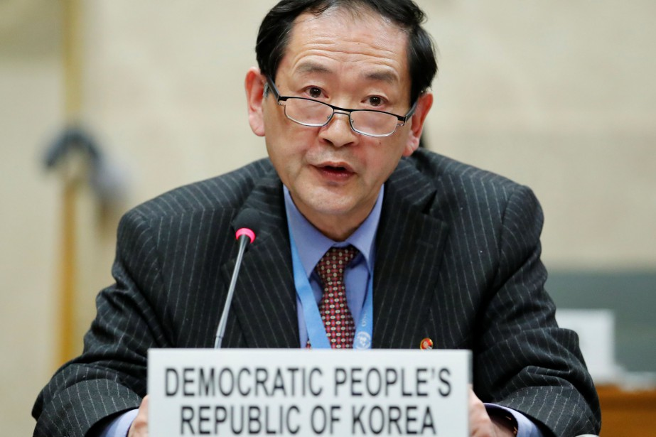 Han Tae Song... (Photo Denis Balibouse, REUTERS)