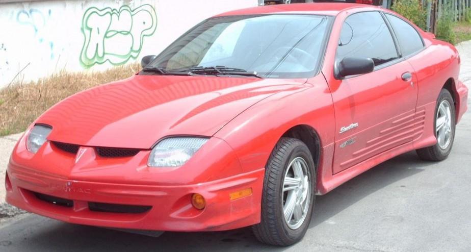 Sa première voiture :  Une Pontiac Sunfire rouge achetée quand il avait 18 ou 19 ans. | 27 février 2018