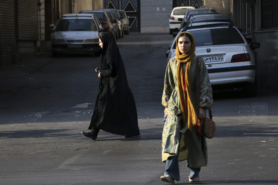 Depuis fin décembre à Téhéran, quelques dizaines de... (PHOTO AP)