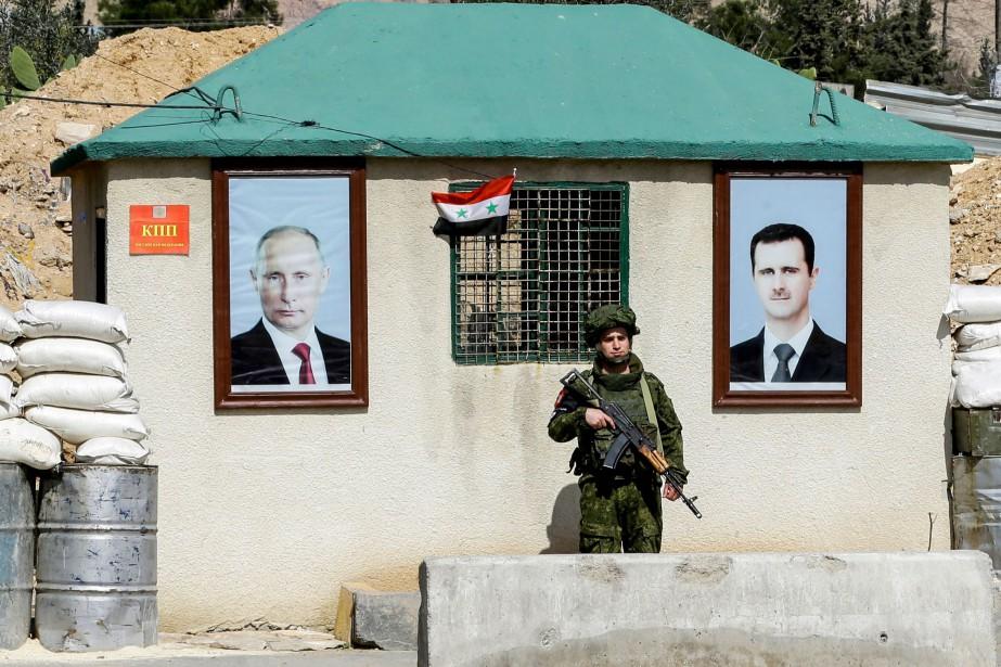 Près d'un poste de contrôle du régime aux... (AFP)