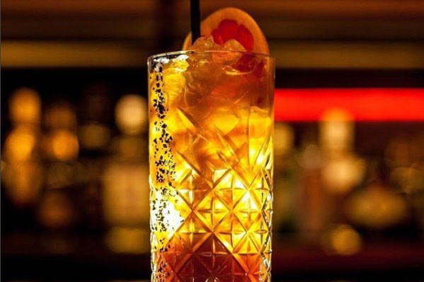 La carte de cocktails raffinés du Kesmestré est... (Photo tirée du compte Instagram)