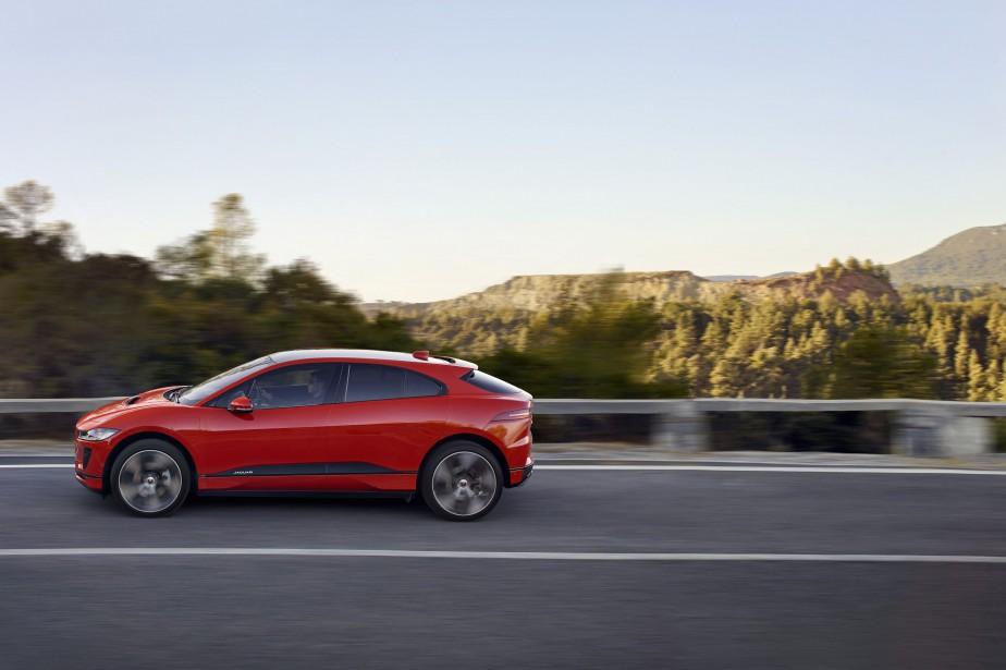 La Jaguar I-Pace à rouage intégral est mue par deux... | 2018-03-01 00:00:00.000