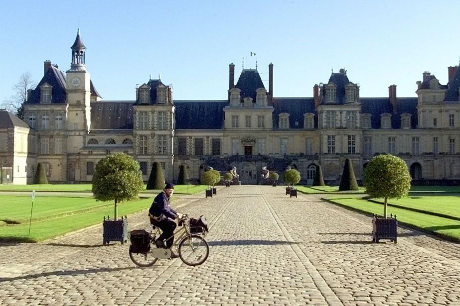 Le château de Fontainebleau... (PHOTO ARCHIVES AP)