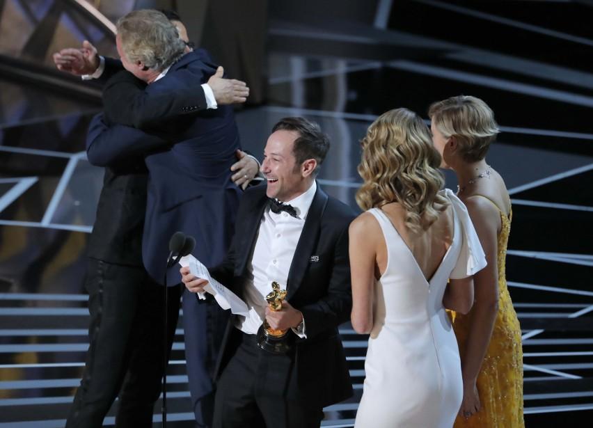 Bryan Fogel et Dan Cogan ont remporté l'Oscar du meilleur long métrage documentaire, <em>Icarus</em>. (REUTERS)