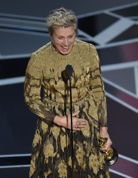 Frances McDormand a remporté l'Oscar de la meilleure actrice dans un rôle principal pour le film <em>Three Billboards Outside Ebbing</em>,<em>Missouri</em>. C'est le second Oscar pour la comédienne de 60 ans, qui l'avait déjà emporté dans la même catégorie en 1997 pour son personnage de Marge Gunderson dans <em>Fargo</em> des frères Coen. (AP)
