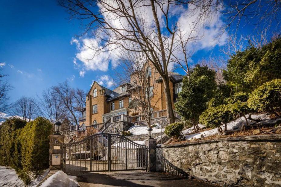 le chateau aldo  vendre pour  millions