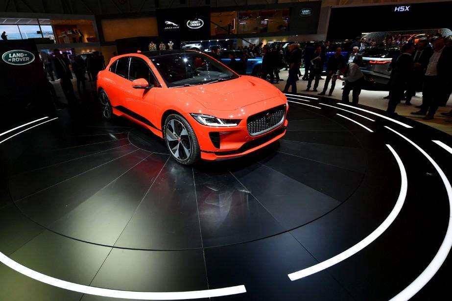 L'I-Pace est le premier véhicule entièrement électrique de Jaguar, qui ne cache aucunement son intention d'arracher à Tesla des parts de marché. (photo AFP)