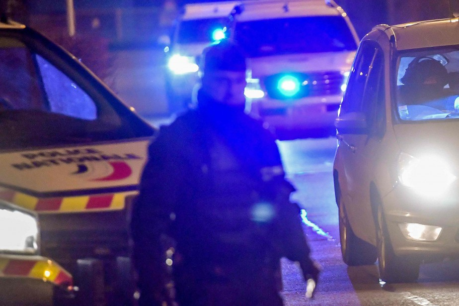 Un homme a été agressé lundi soir par deux hommes à la machette... (ARCHIVES AFP)