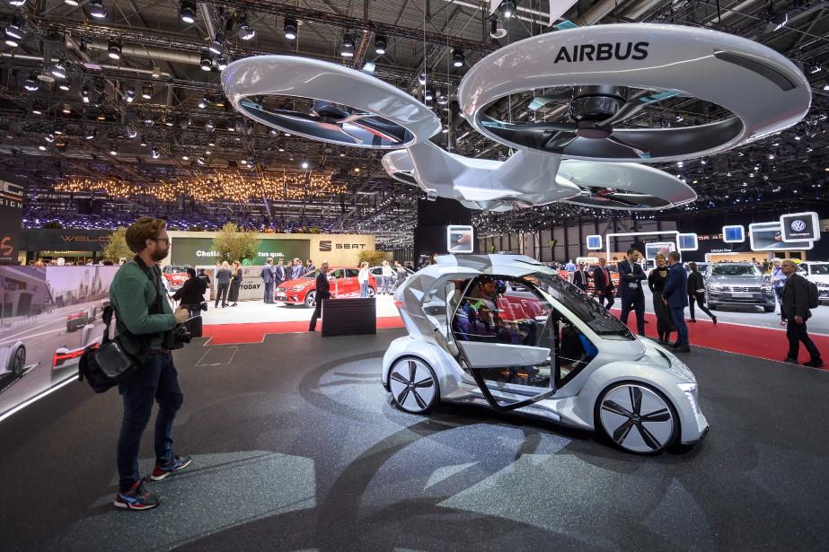 Le projet «PopUp Next» est d'un design radicalement différent de celui du P-Val Liberty. Le prototype ressemble à une télécabine futuriste sur laquelle se greffent trois rotors et quatre roues. | 7 mars 2018