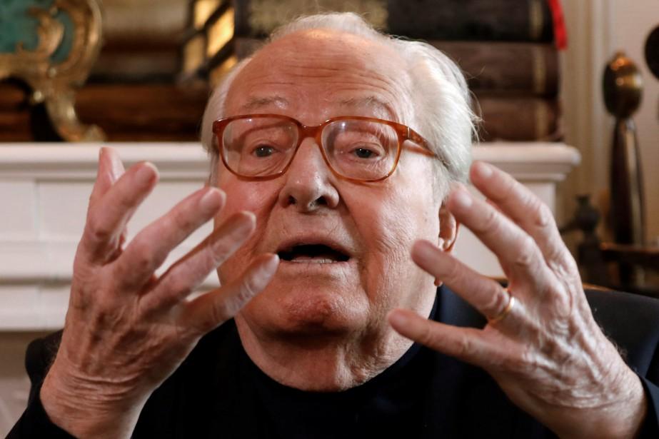 M. Le Pen devra rembourser plus de 320... (Photo Charles Platiau, Reuters)
