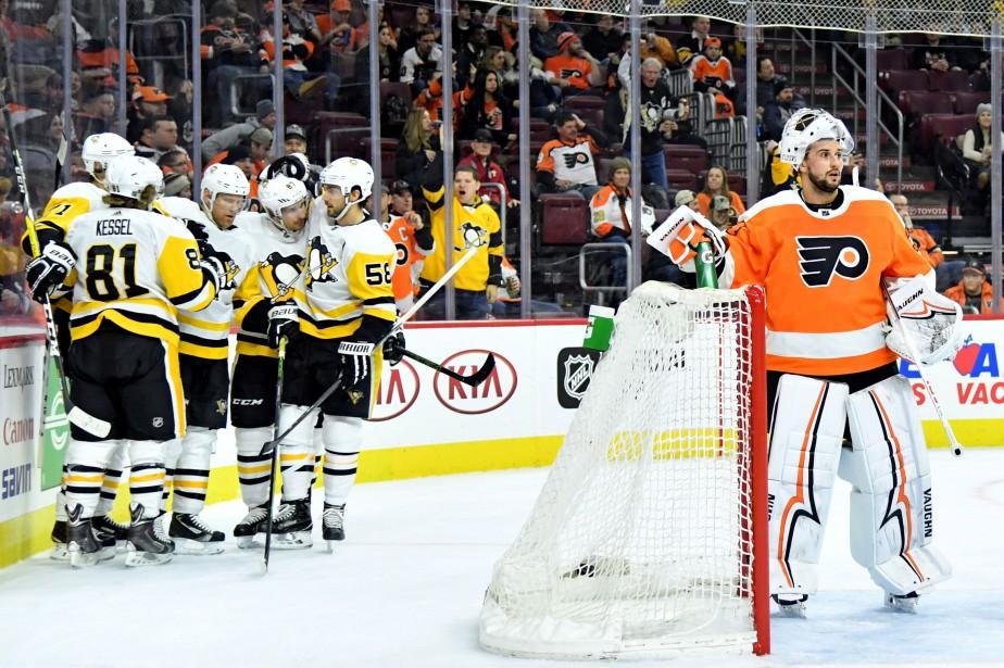 Conor Sheary a marqué deux fois et les Penguins de Pittsburgh... (PHOTO REUTERS)