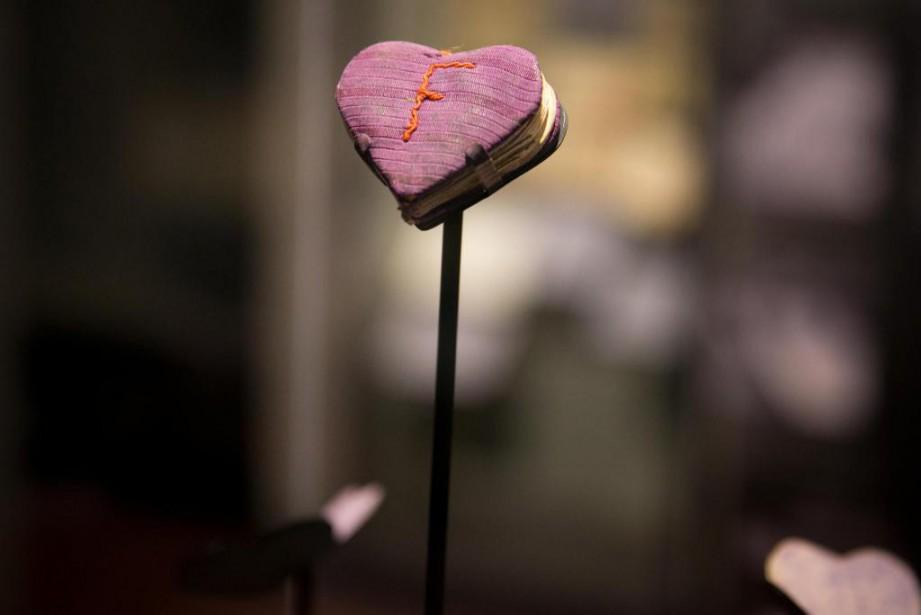 Ce calepin en forme de coeur a été... (Photo François Roy, La Presse)