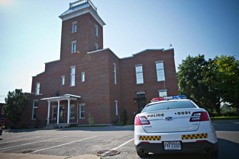 L'hôtel de ville de Terrebonne, lors d'une perquisition... (Photo Patrick Sanfaçon, Archives La Presse)
