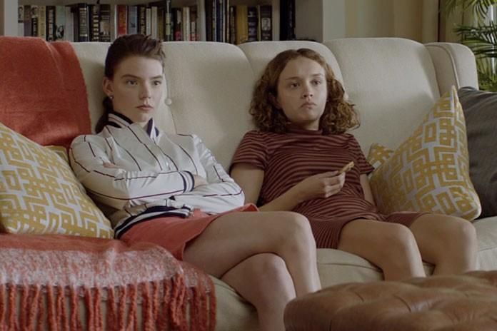 Anya Taylor-Joy (Lily) et Olivia Cooke (Amanda) dans... (Crédit:Universal)