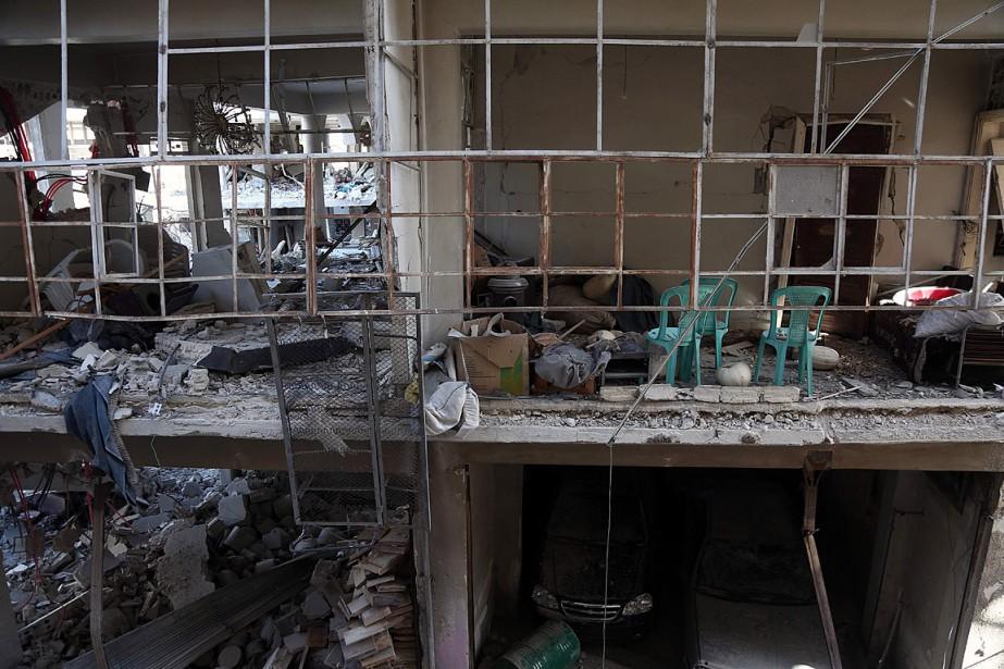 Des maisons ont été détruites lors de combats... (PHOTO ABDULMONAM EASSA, AGENCE FRANCE-PRESSE)