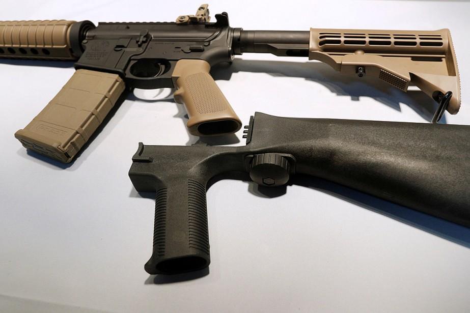 Les crosses amovibles de mitraillage (bump stock) permettent... (PHOTO GEORGE FREY, ARCHIVES REUTERS)